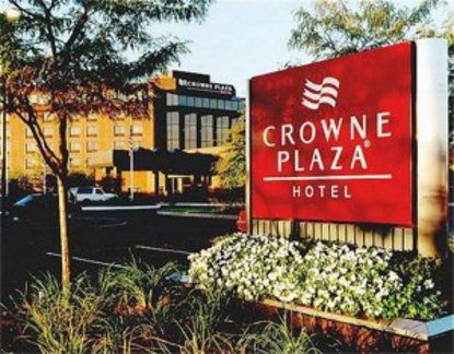 Crowne Plaza Hotel Boston Natick