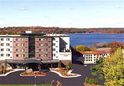 Courtyard By Marriott Waltham