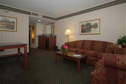 Embassy Suites Hotel Detroit Livonia/Novi