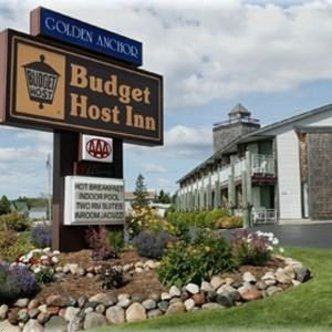 Budget Host Inn & Suites St. Ignace