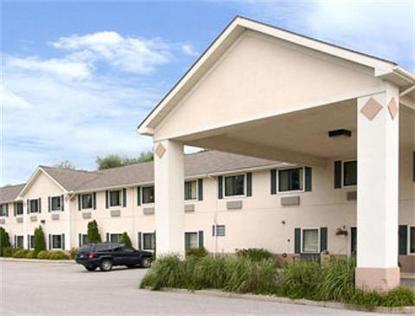 Super 8 Motel   Three Rivers