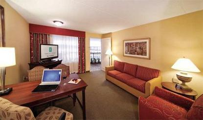 Embassy Suites Hotel Detroit   North / Troy   Auburn Hills