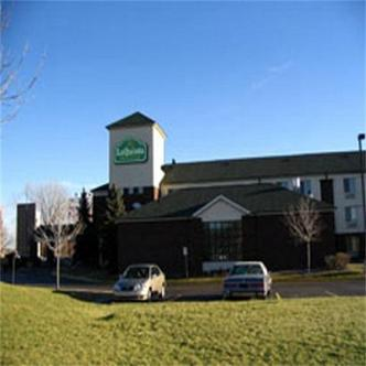 La Quinta Inn & Suites Brooklyn Park