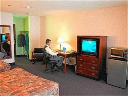 Livinn Suites Fridley