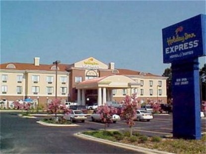 Holiday Inn Express Hotel And Suites Forest