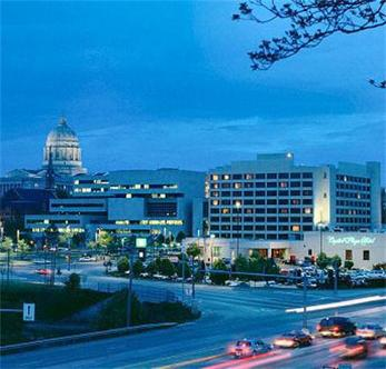 Capitol Plaza Hotel And Convention Center