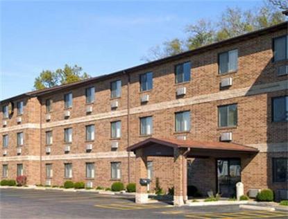 Super 8 Motel   Kennett