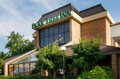 pear tree inn st louis airport saint ann deals see. Black Bedroom Furniture Sets. Home Design Ideas