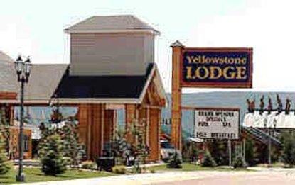 Yellowstone Lodge