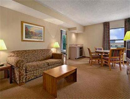 Baymont Inn & Suites Omaha Central