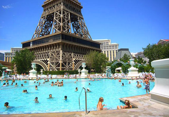 Las vegas rooftop pools for Paris hotel pool