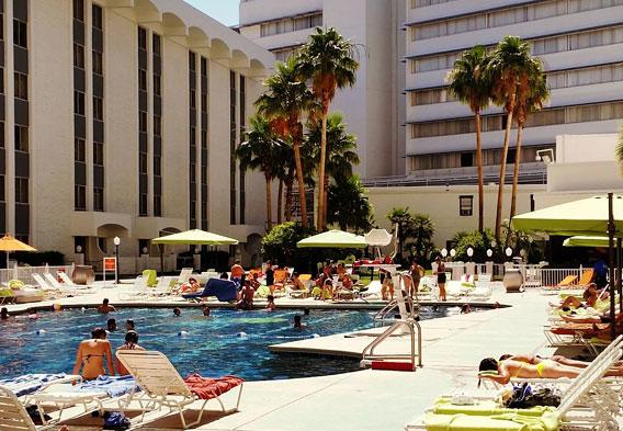 Riviera hotel las vegas for Riviera resort las vegas