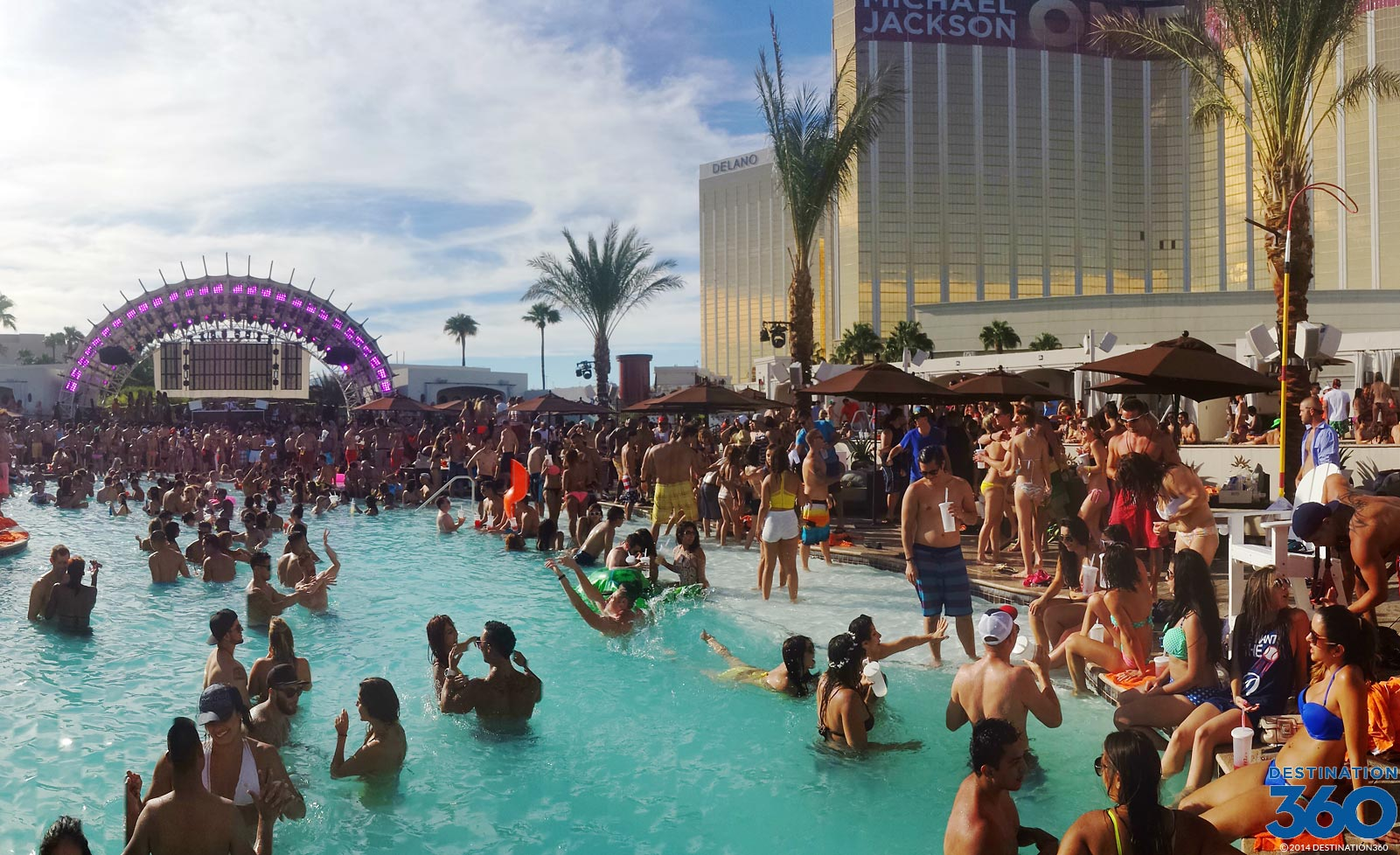 daylight vegas pool party