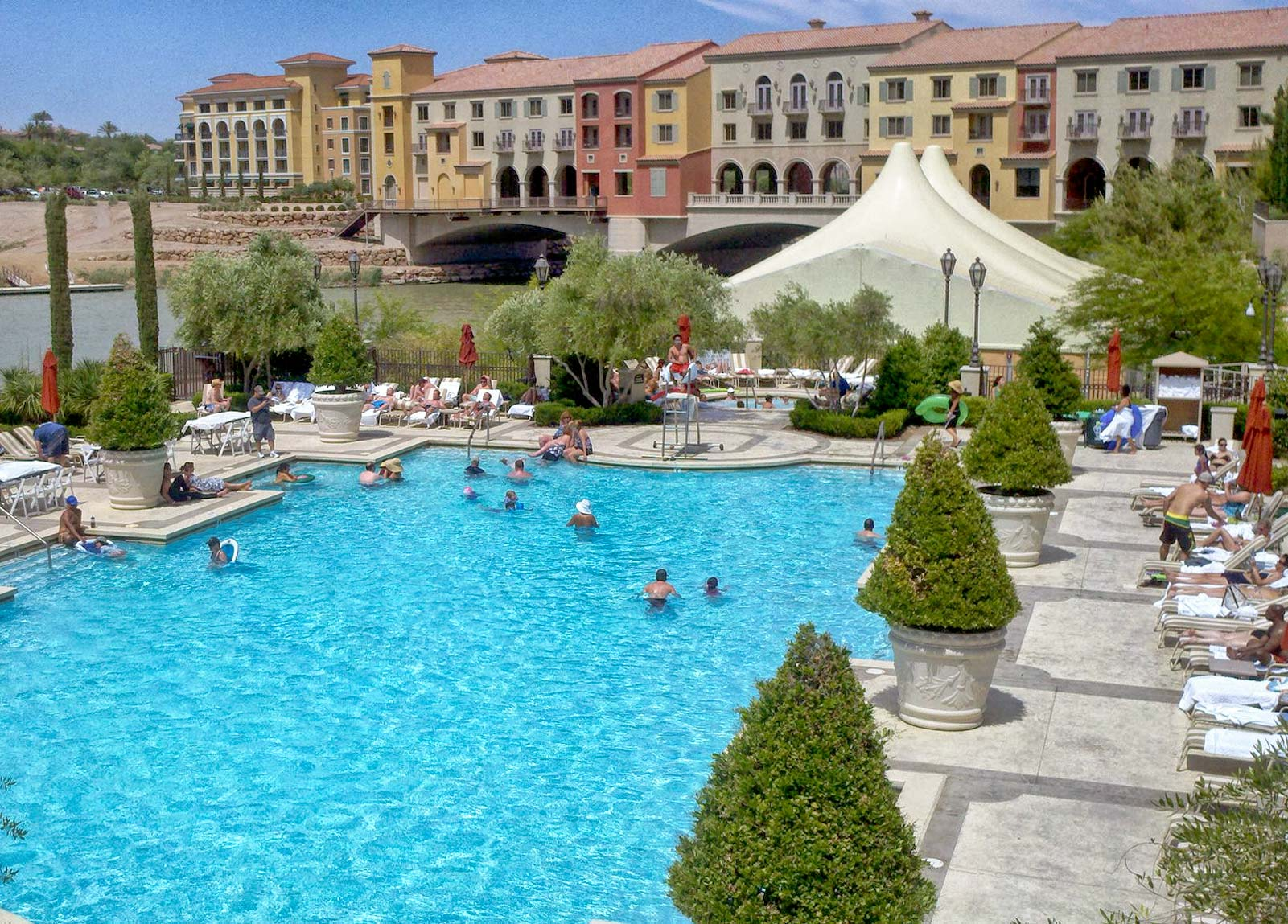 Hilton Lake Las Vegas Pool