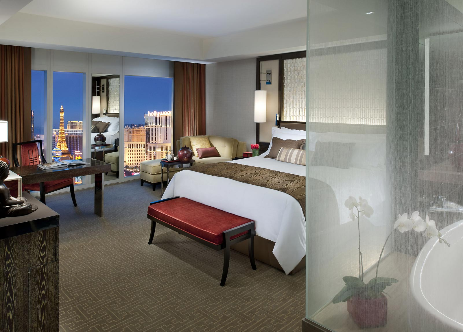 las strip suite vegas