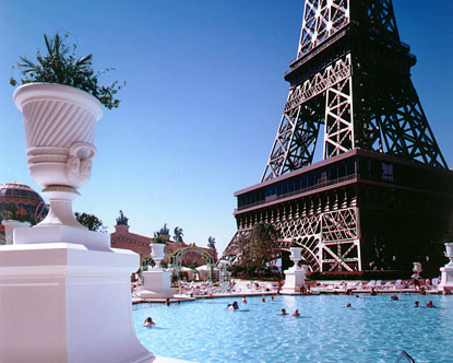 Paris pool paris las vegas hotel pool for Paris hotel pool