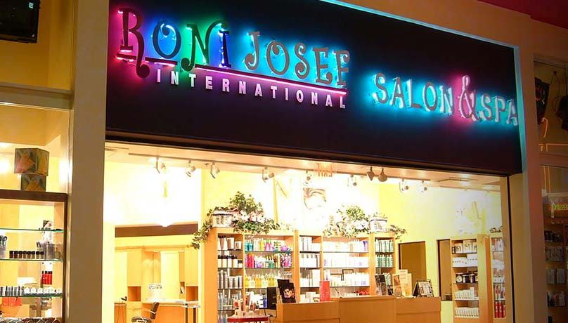 Roni Josef Salon