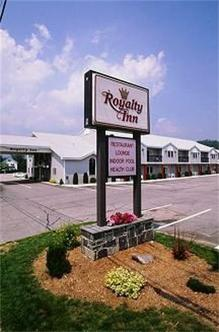 Royalty inn gorham deals see hotel photos attractions for Town and country motor lodge gorham nh