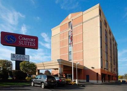 comfort suites at woodbridge avenel deals see hotel. Black Bedroom Furniture Sets. Home Design Ideas