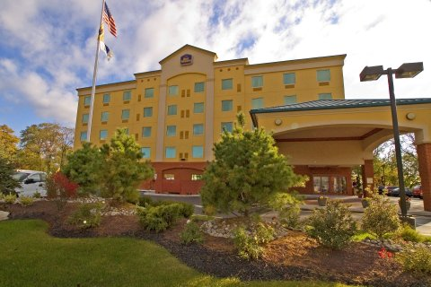 Best Western Riverview Inn Suites