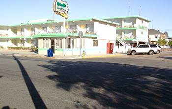 Knolls Resort Motel