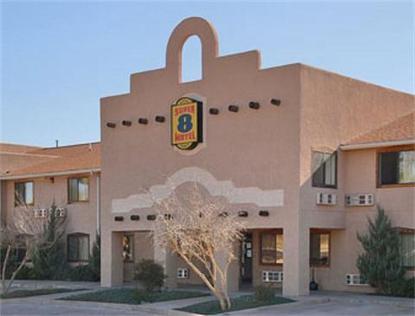 Super 8 Motel   Ft. Sumner