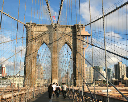 Walking Tours of the Brooklyn Bridge