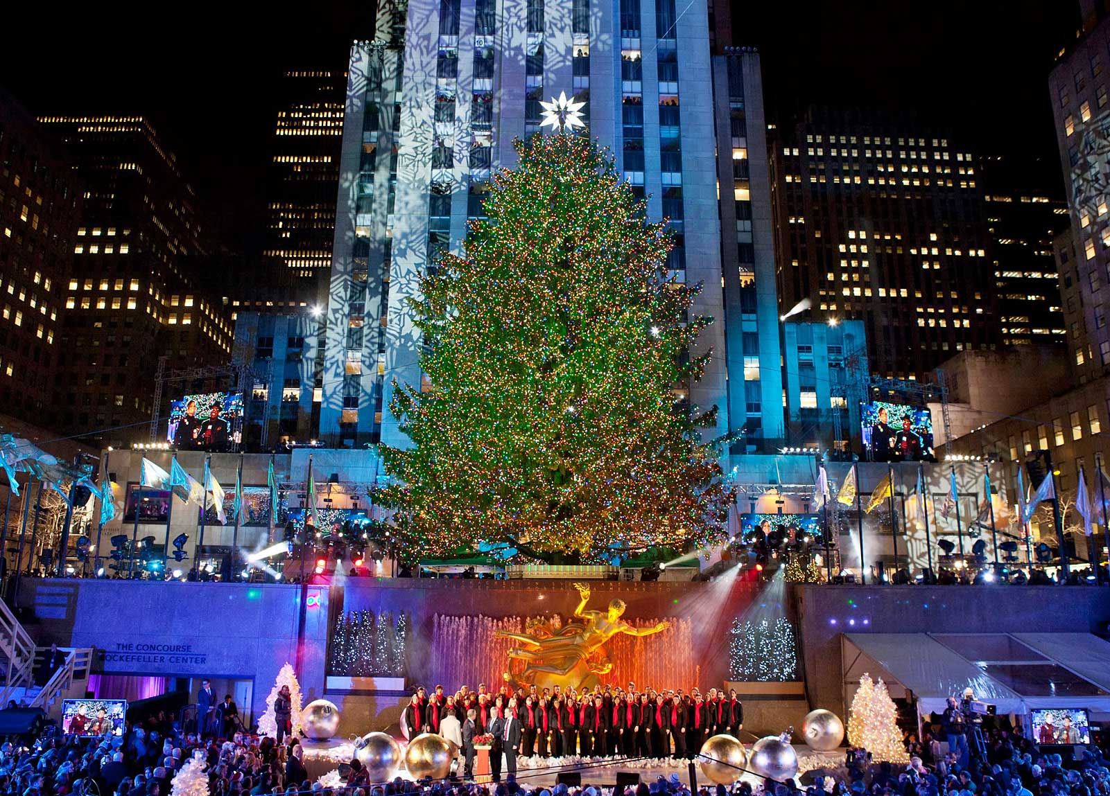 christmas in new york 2018 rockefeller center christmas tree. Black Bedroom Furniture Sets. Home Design Ideas