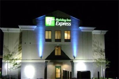 holiday inn express syracuse airport syracuse deals see. Black Bedroom Furniture Sets. Home Design Ideas