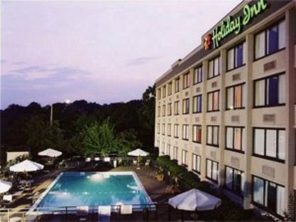 holiday inn biltmore east asheville deals see hotel. Black Bedroom Furniture Sets. Home Design Ideas