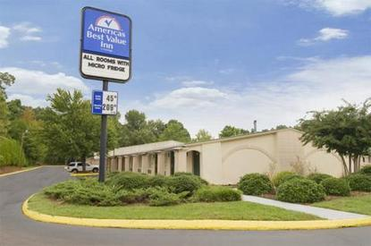 Americas Best Value Inn & Suites Airport
