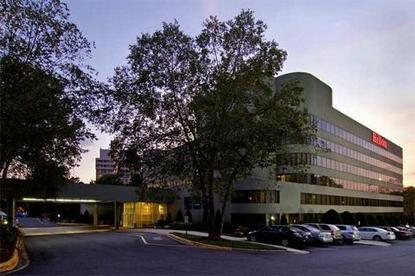 Hilton Charlotte Executive Park Charlotte Deals See Hotel Photos Attractions Near Hilton