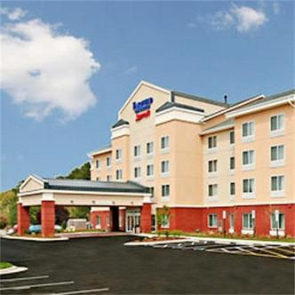 Fairfield Inn And Suites By Marriott Greensboro