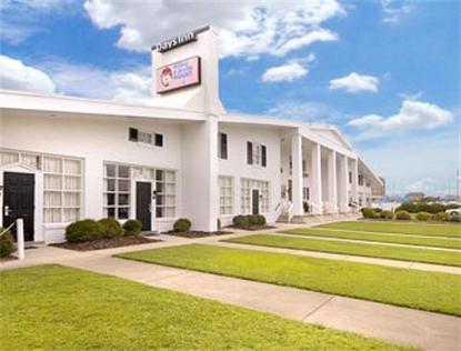 Days Inn Oceanfront Wilbur And Orville Wright