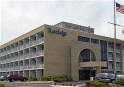 Travelodge Nags Head Beach Hotel