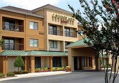Courtyard By Marriott Matthews