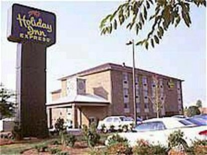 Holiday Inn Express Pineville Litener Dr