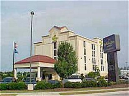 Holiday Inn Express Hotel & Suites Wilmington University Ctr