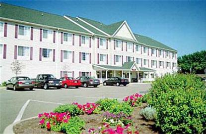 Coshocton Village Inn & Suites