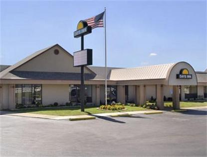Days Inn Grove City Grove City Deals See Hotel Photos Attractions Near Days Inn Grove City