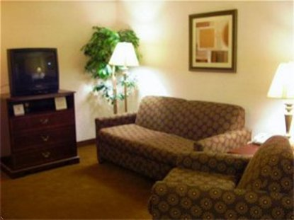Holiday Inn Express Hotel & Suites Newark Heath