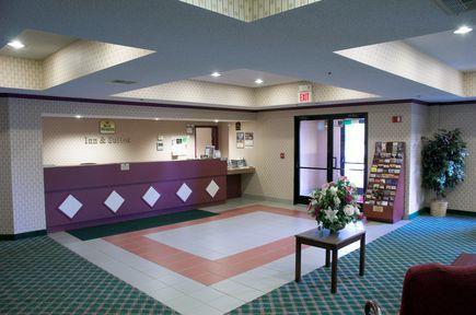 Baymont Inn And Suites Mason