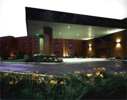 Holiday Inn Express Hotel & Suites Mentor (Lamalfa Conf. Center)