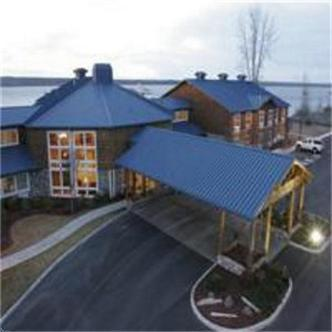 Riverfront Lodge Hotel