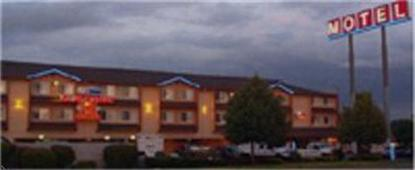 Clackamas Inn And Suites
