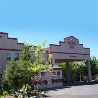 Sisters Inn & Suites