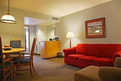 Embassy Suites Hotel Pittsburgh International Airport