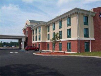 Holiday Inn Express Hotel & Suites Drums Hazelton