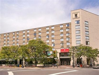 Ramada Inn Hotel On The Square
