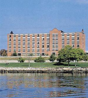Radisson Hotel Providence Harbour